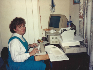 susan-on-old-computer326